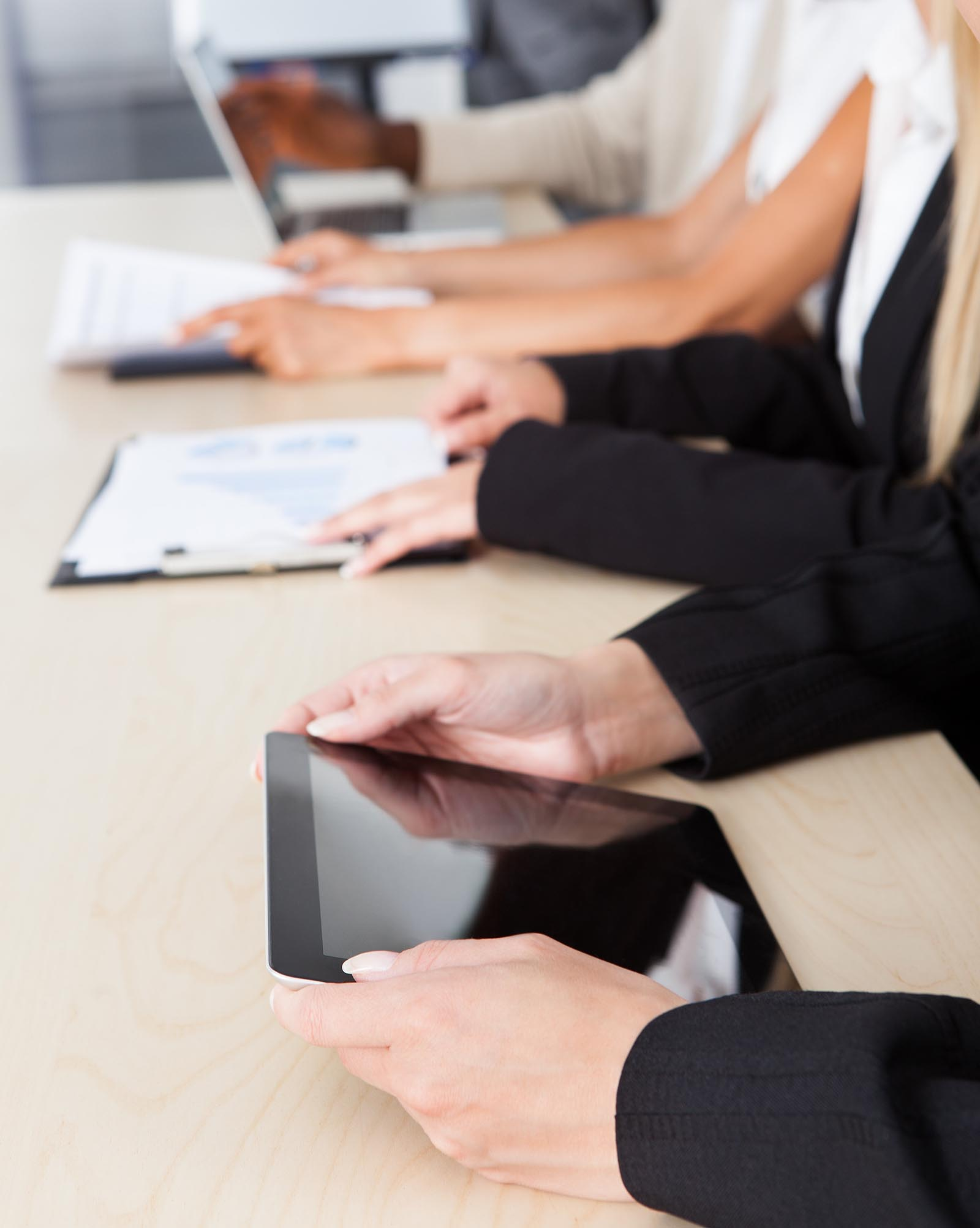 employee training tablet and laptop